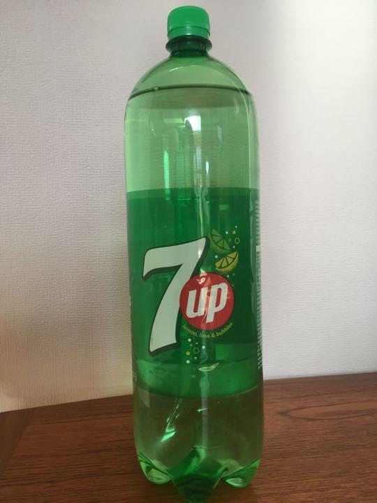 2 litre bottle of 7up