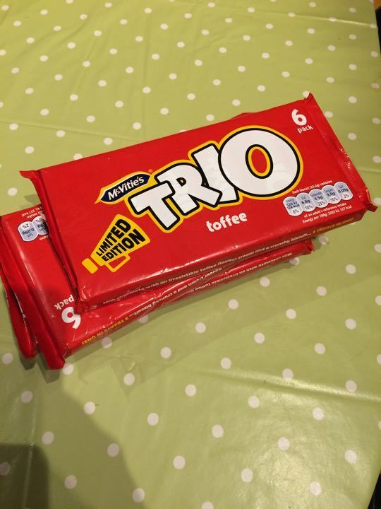 Trio toffee biscuits 6 pack