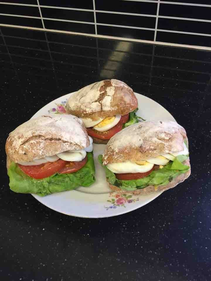 Fresh veggie egg/salad sandwich from Non Solo Bar (24/07)
