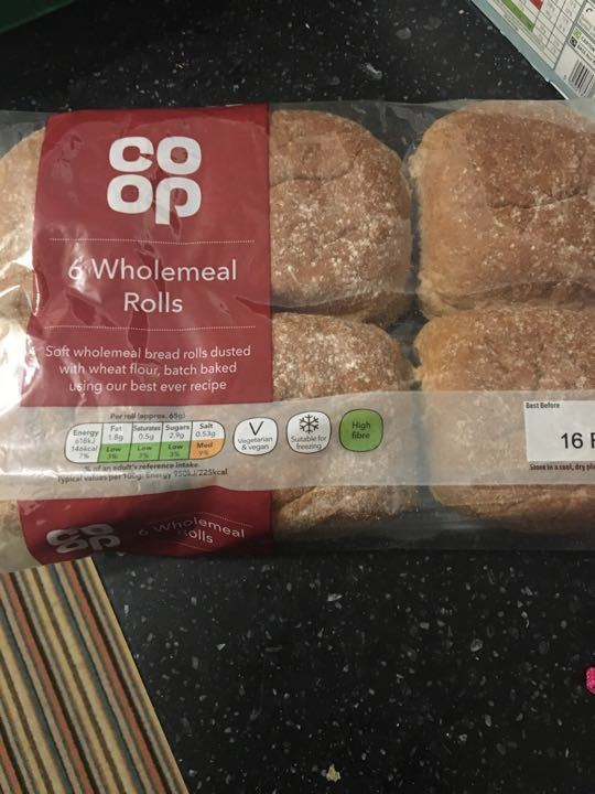6 wholemeal rolls
