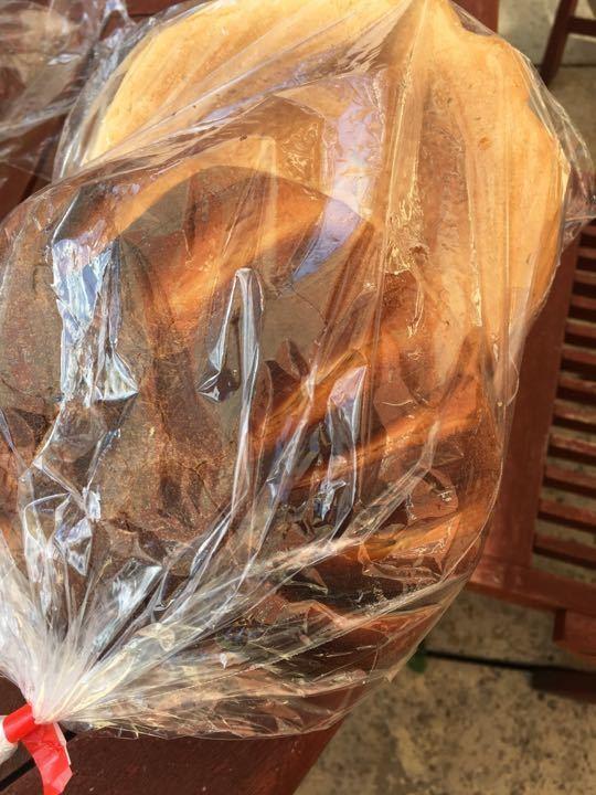 X2 sets of 2 round bun unsliced bread