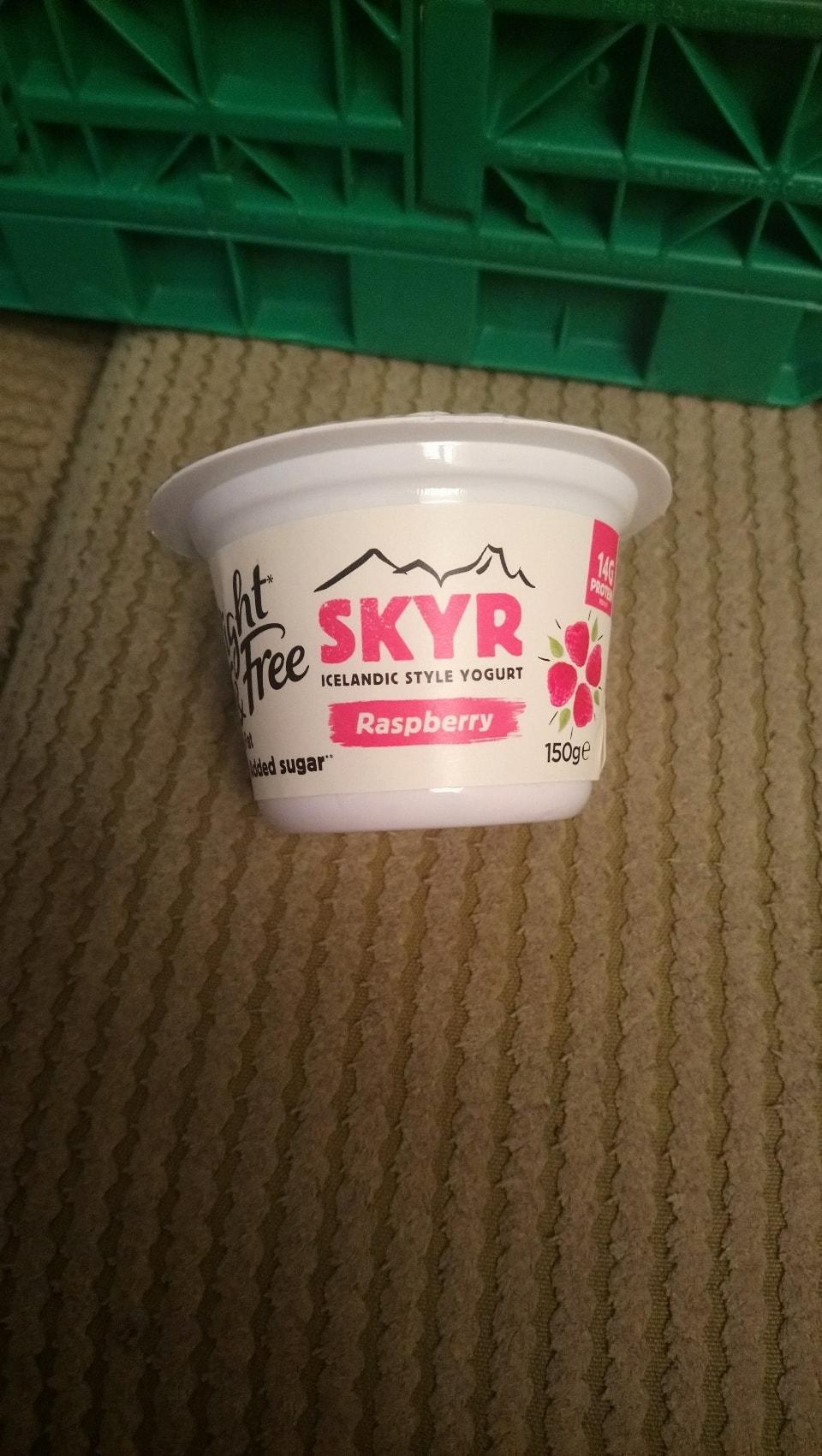 Light and free skyr yogurt