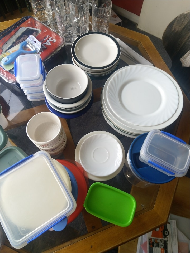 Various kitchen containers