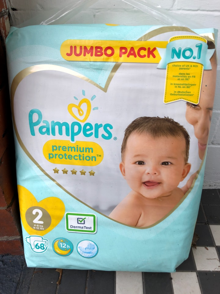 Pampers size 2 x 68