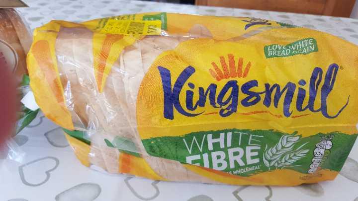 Kingsmill white fibre loaf
