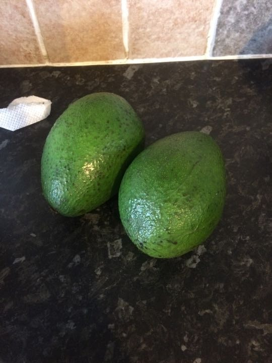 2 large avocado (2 lots available)