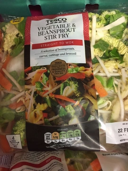 Veg and bean sprout stir fry