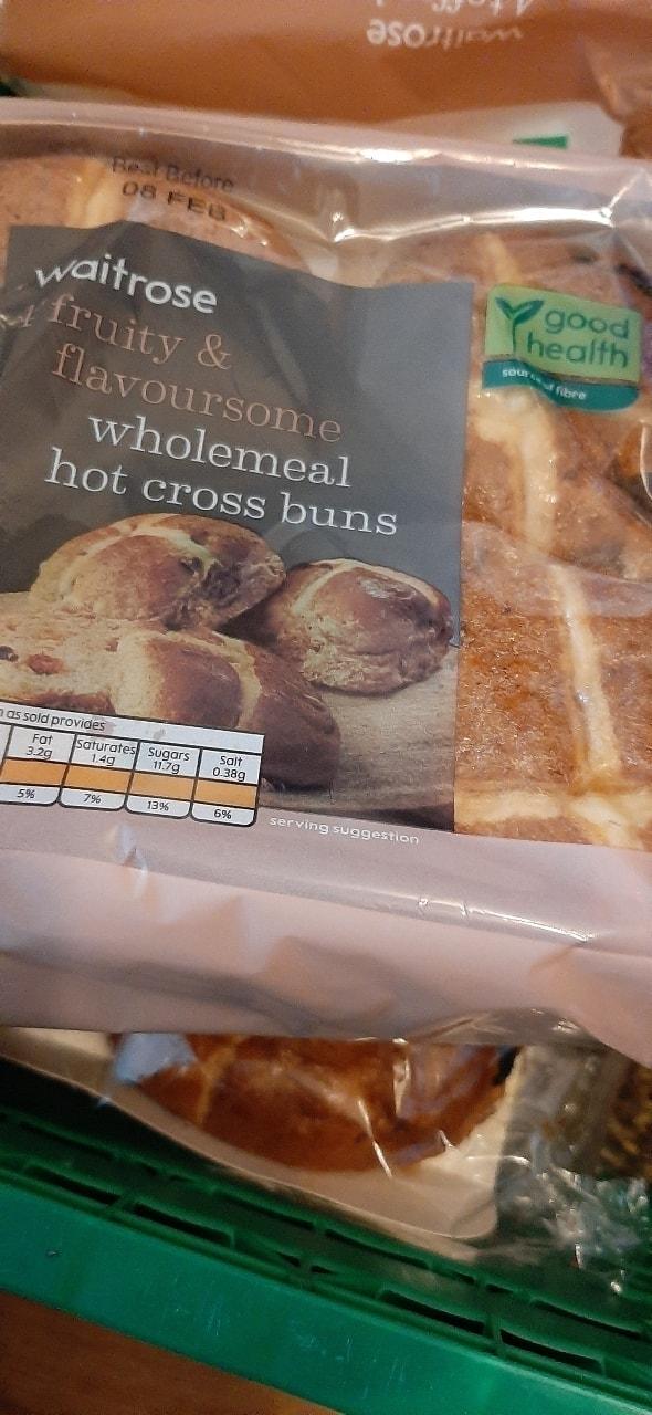 Wholemeal hot x buns