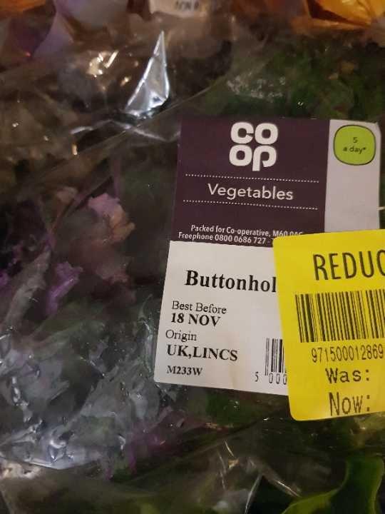 Button hole lettuce