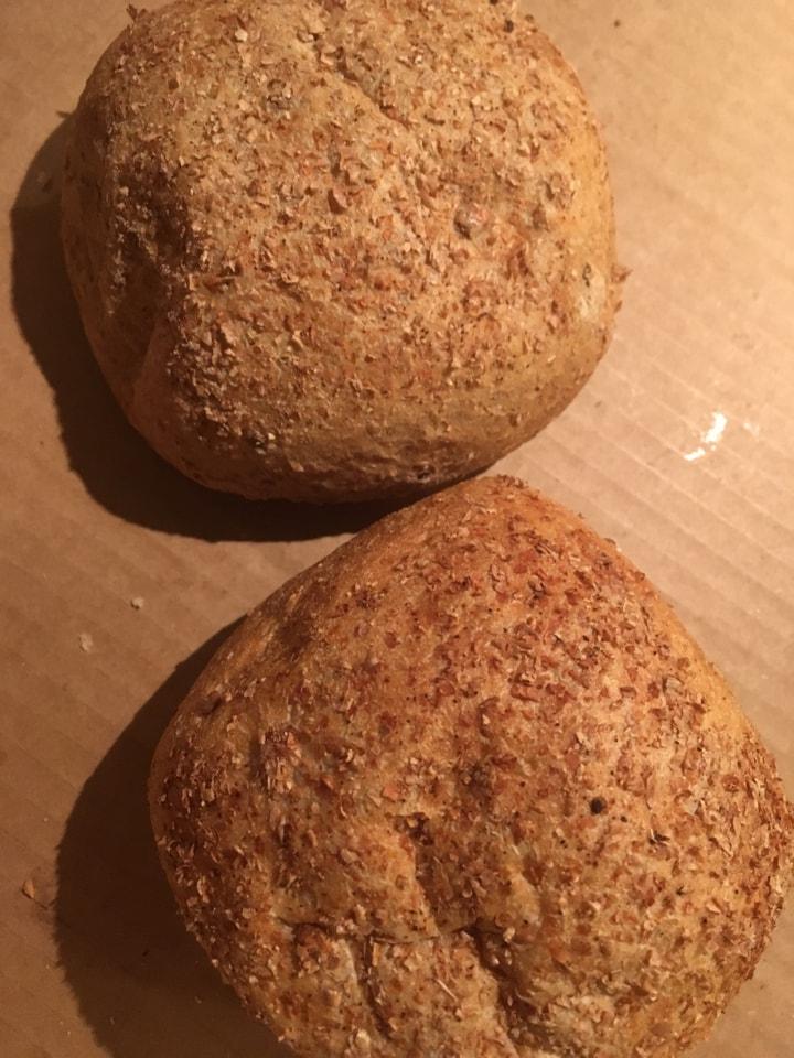 bread rolls 2 pieces