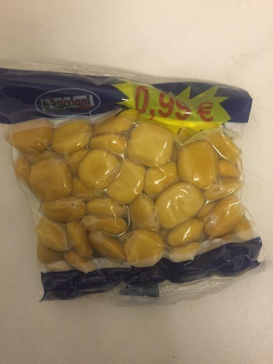 Sealed packet of hops