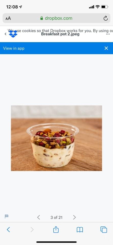 Fresh fruit, yoghurt and granola pot
