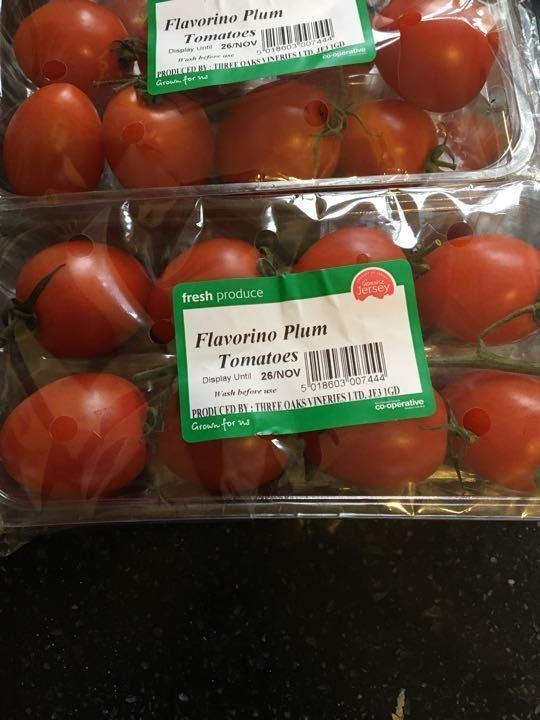 Flavourino plum tomatoes