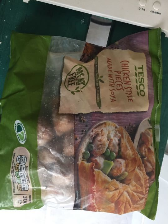 Tesco Quorn chicken style pieces