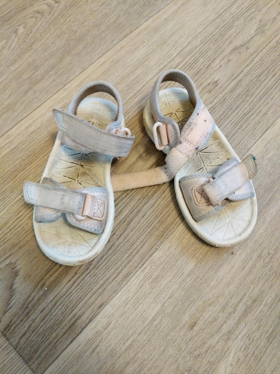 Clarke's pink sandals size 8F