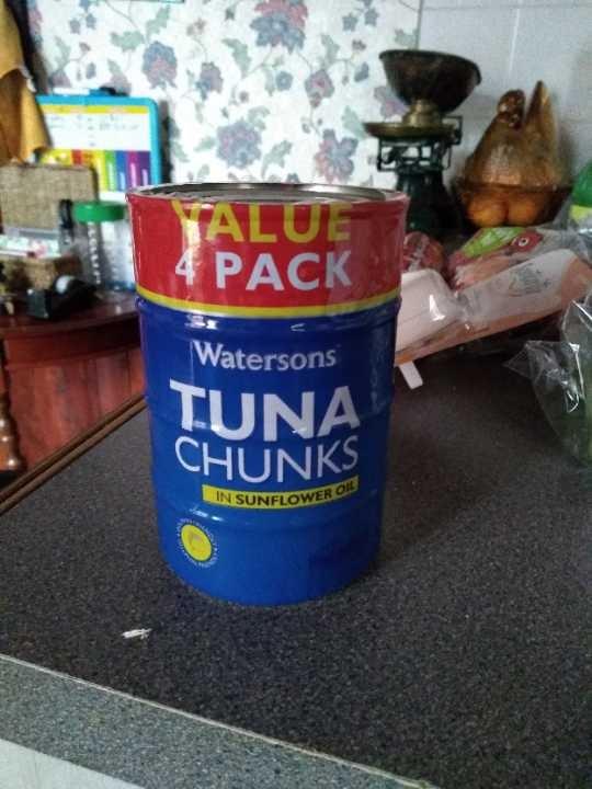 4 pack of Tuna in sunflower oil.