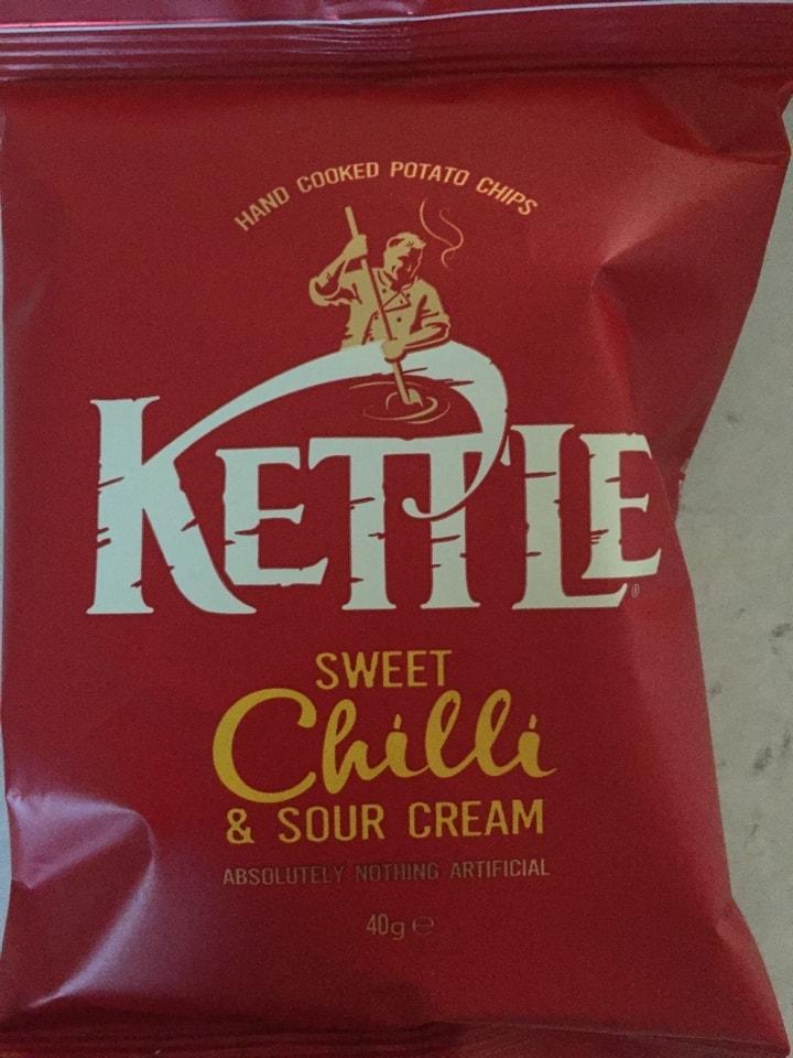 4x chilli and sour cream kettle crisps