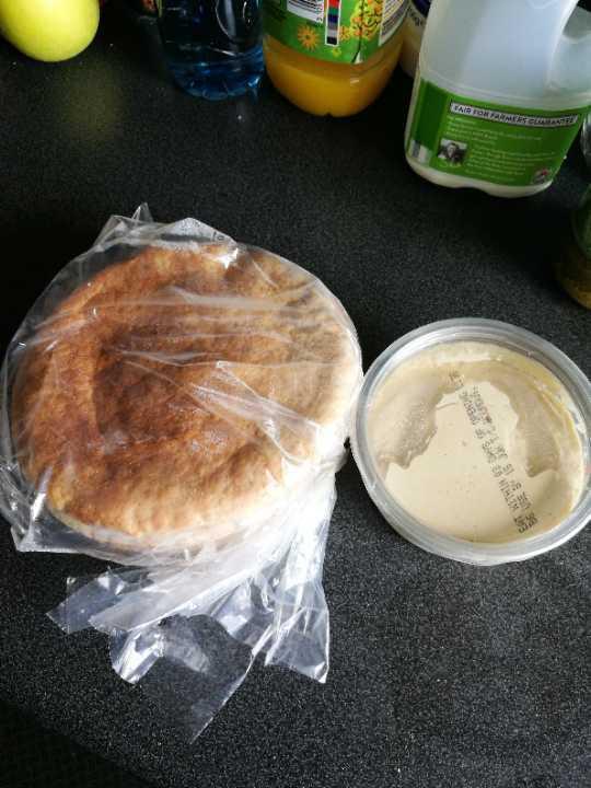Hummus and flatbread picnic combo