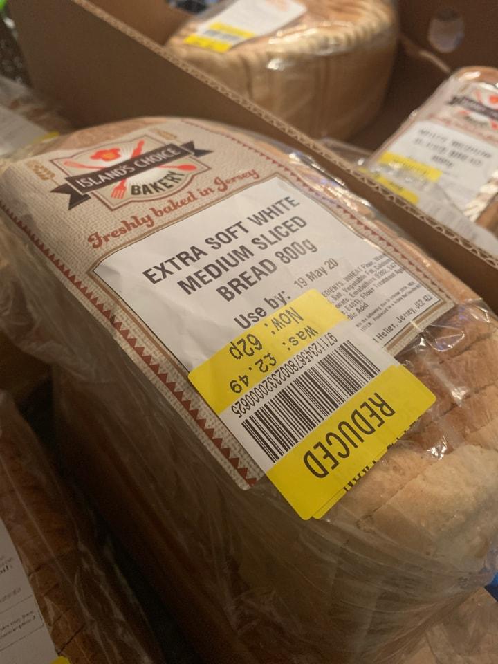 Extra soft white sliced bread