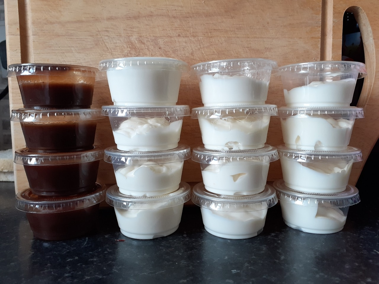 Mayonnaise and brown sauce pots