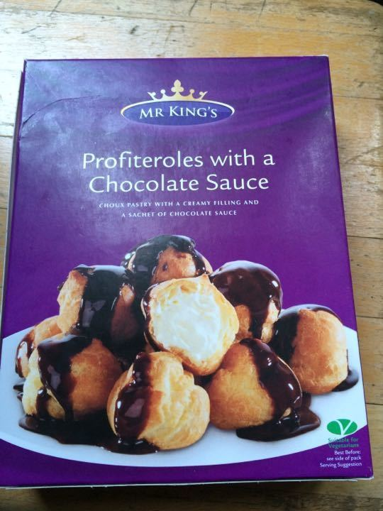 profiteroles with a chocolate sauce (frozen)