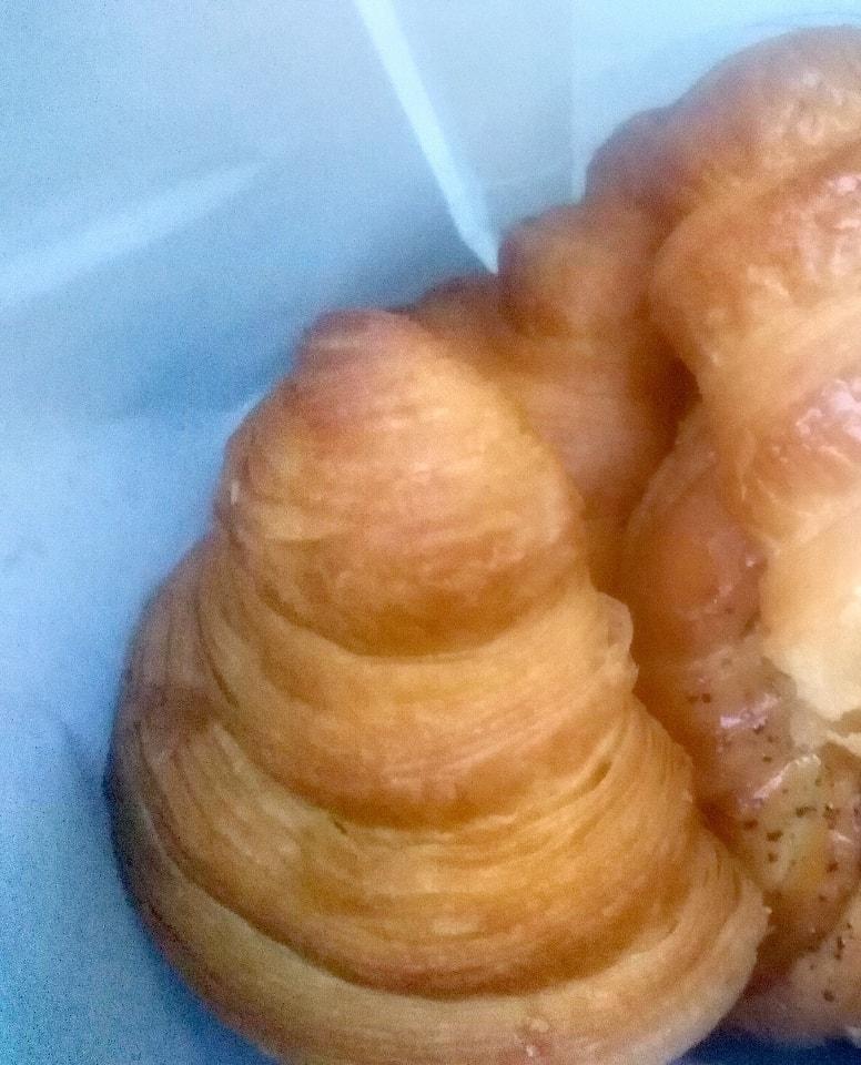 2 x croissants