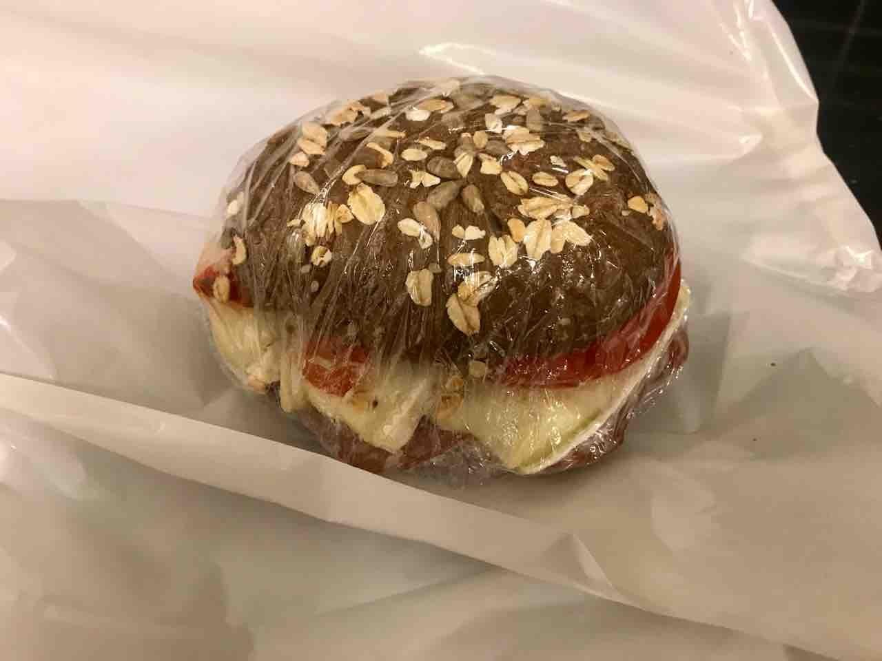 Fresh sandwich (delicatessen ham!) from Pesso (22/03)
