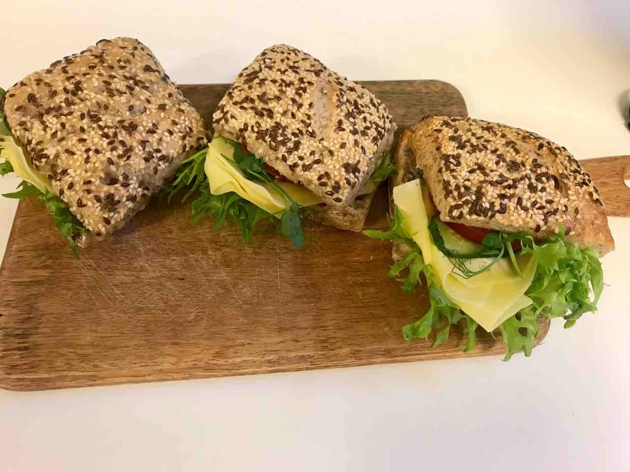 Fresh vegetarian sandwiches (cheese/veggies) from Les Petits Boudins (08/05)
