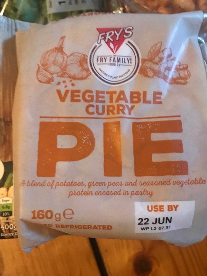 Veg curry pie