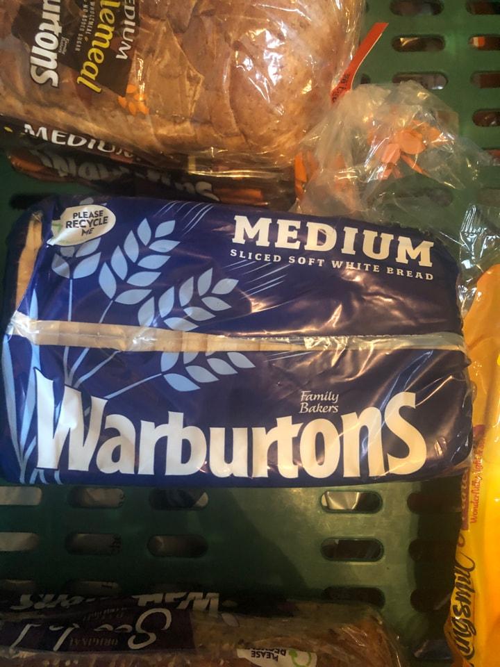 Tesco-warburtons white 400g loaf