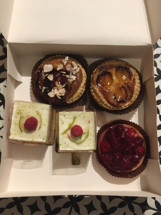 Sweet tarts/pastries