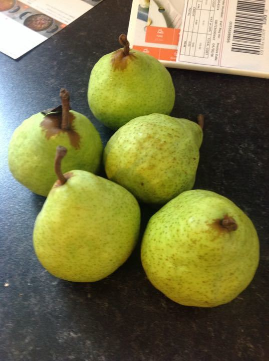 X4 bags of 5 pears (1 bag per family request)