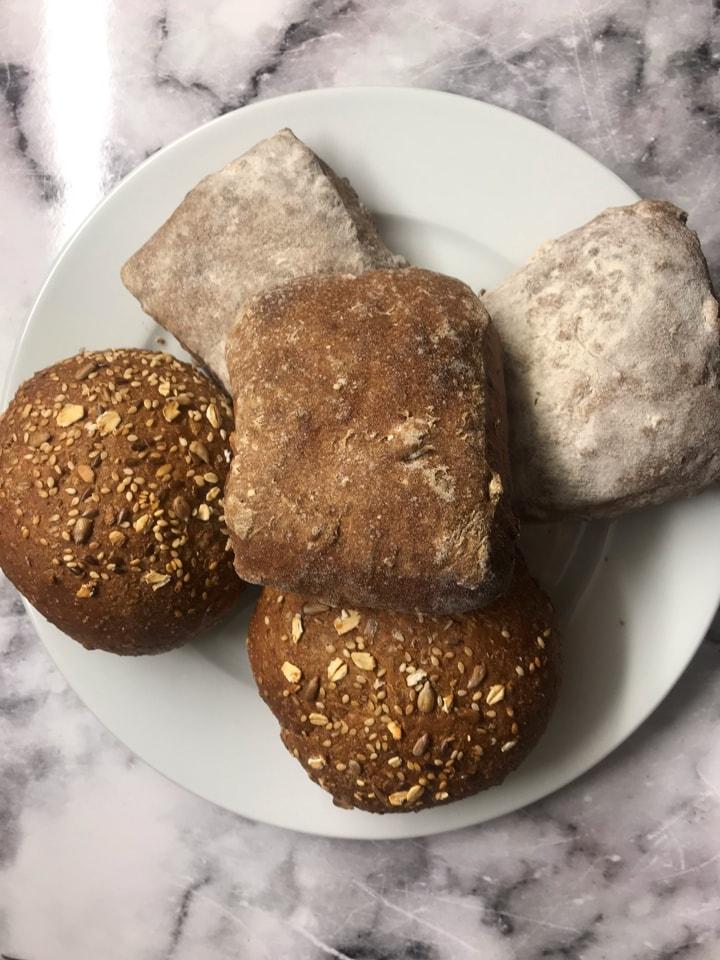 Bread rolls (14/4)