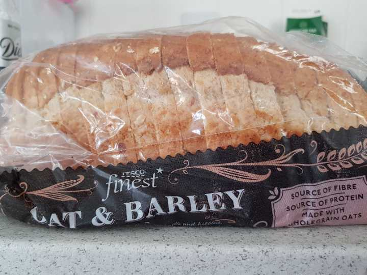 Oat and barley sliced bread