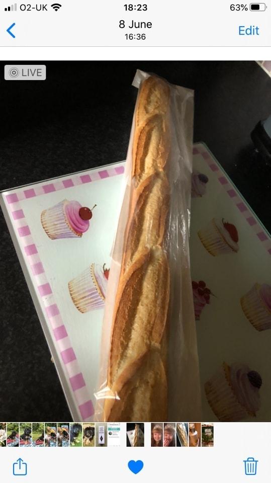 1 x Pret plain baguette