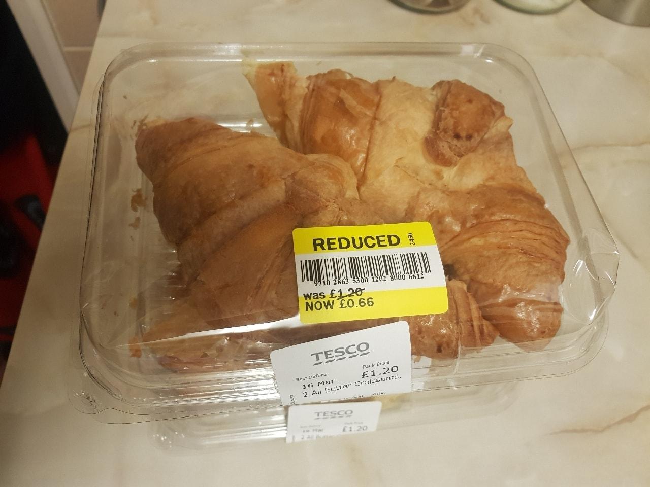 2 x croissant