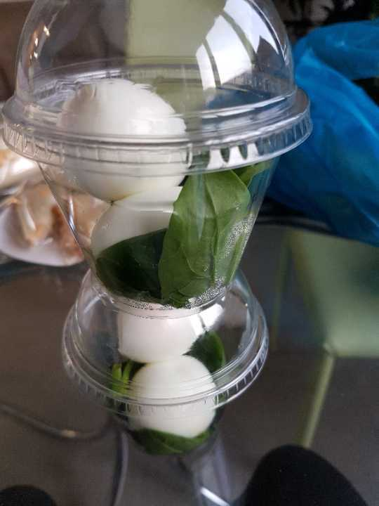Egg and spinach pot