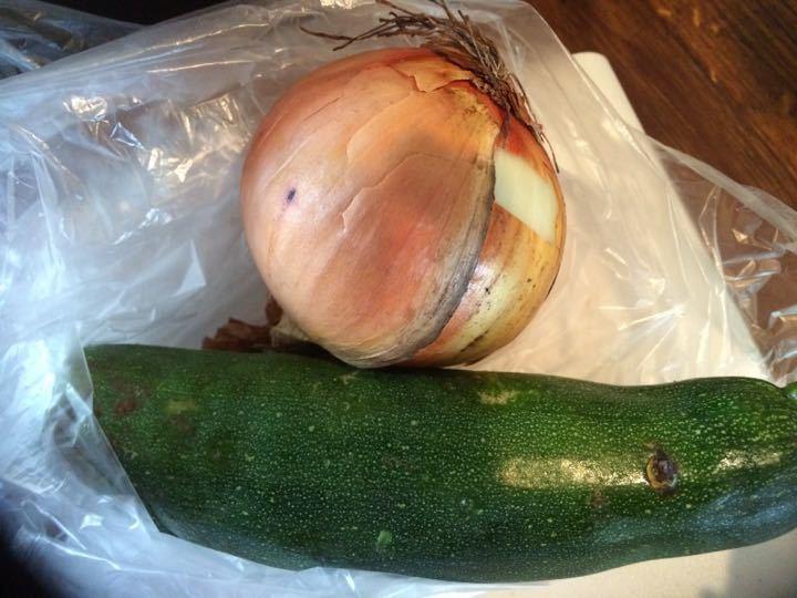 1 onion 1 courgette