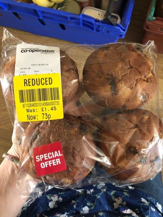 Spiced buns