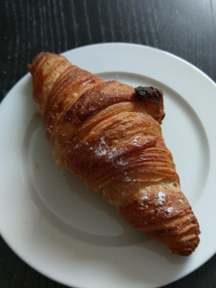 1 x butter croissant