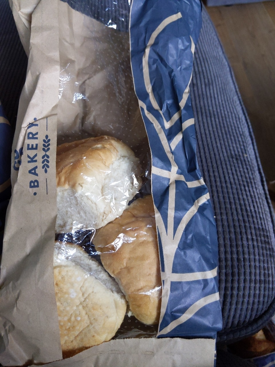 3 white crusty rolls
