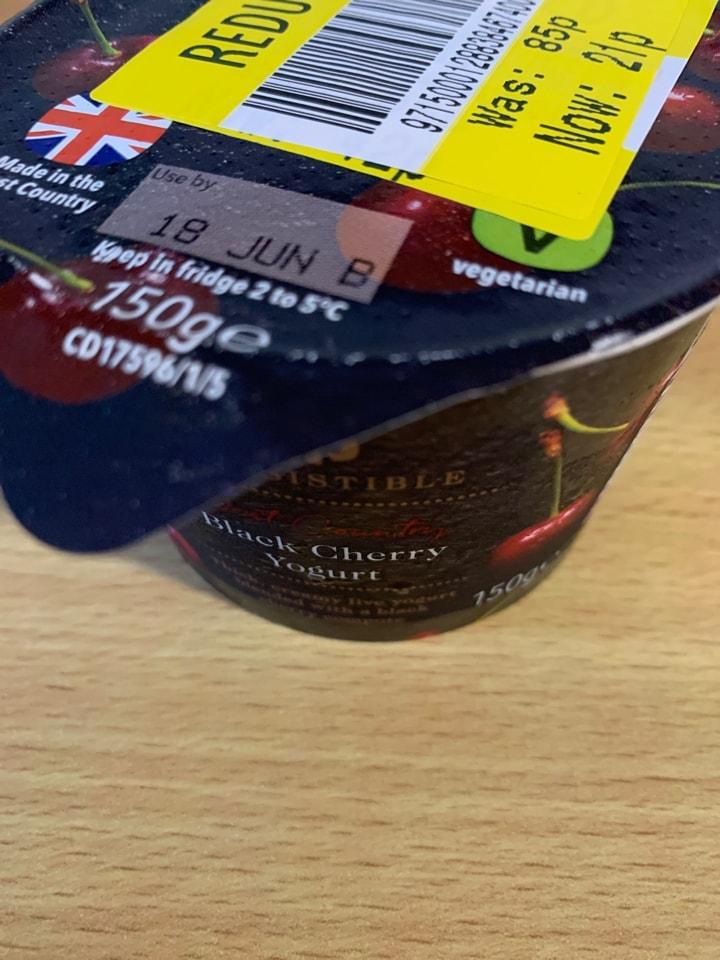 Black cherry yoghurt