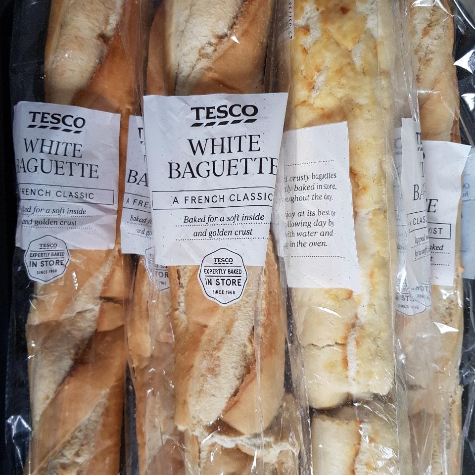 2x white baguettes