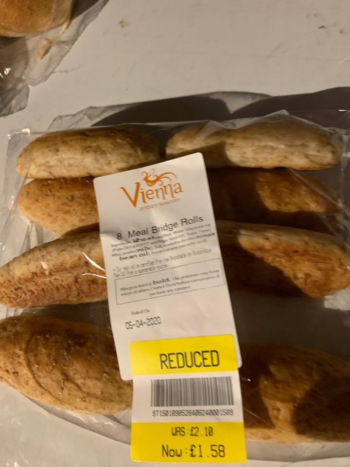 8 whole meal bridge rolls