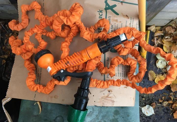Hose pipe and attachment