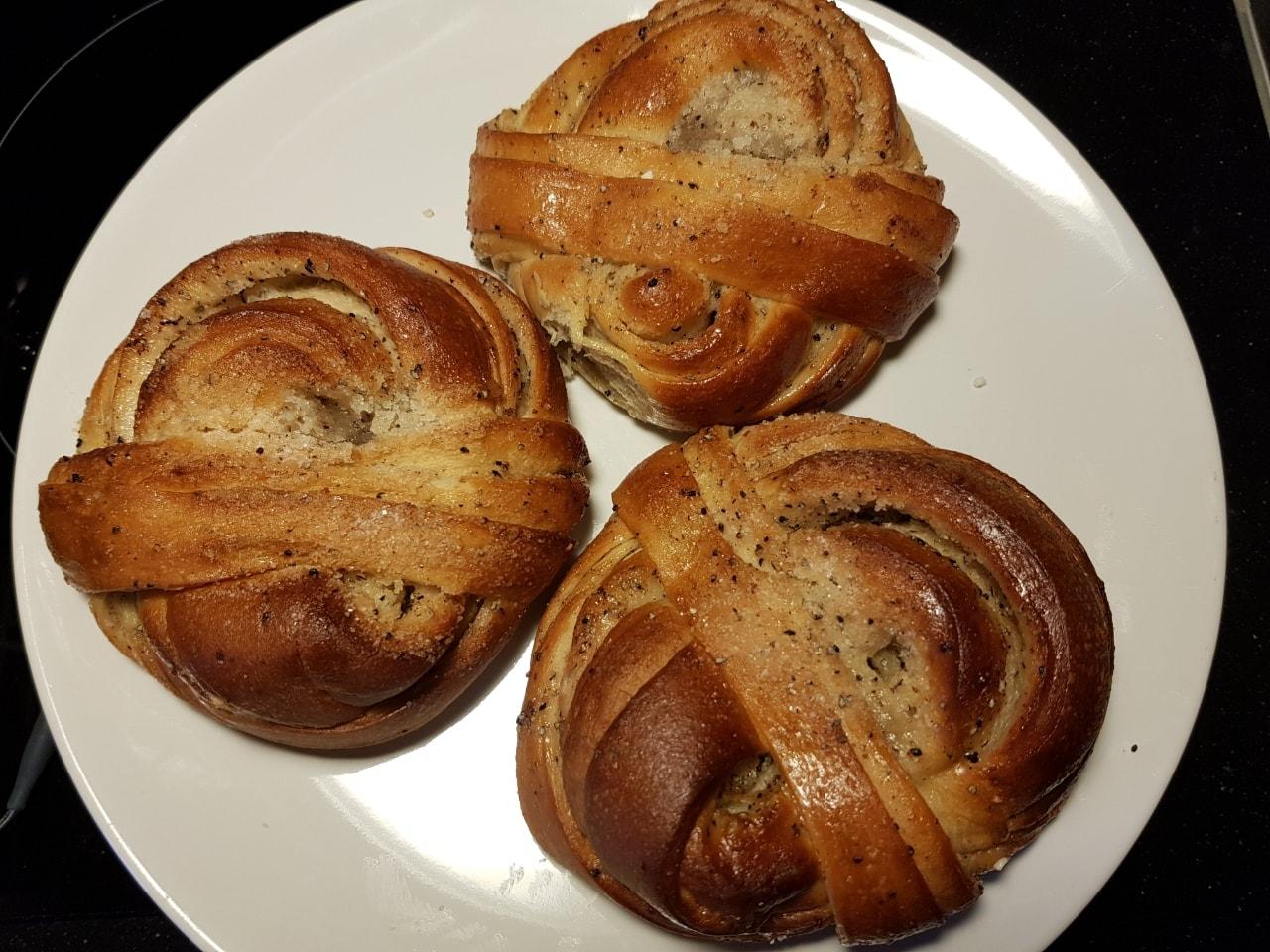 Sugar buns from Il Caffe Hornstull