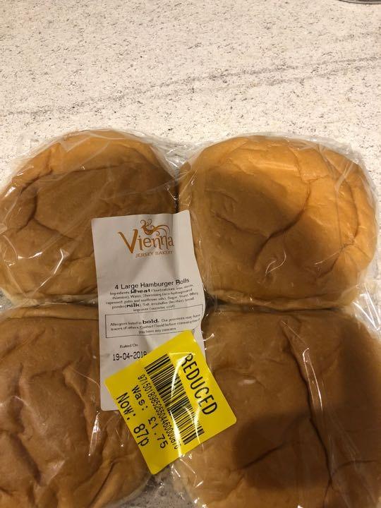 White hamburger rolls X3