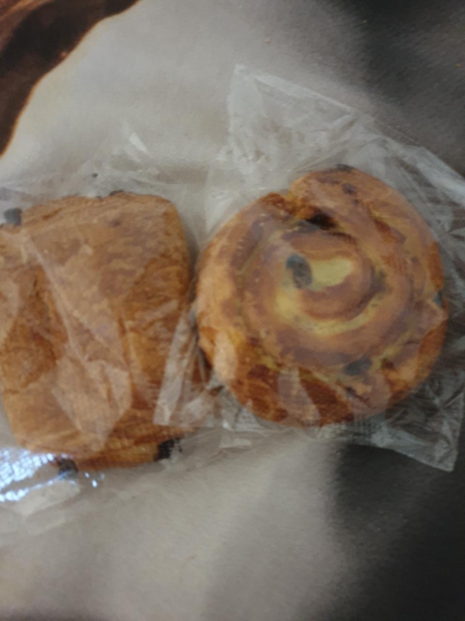 2 pastries