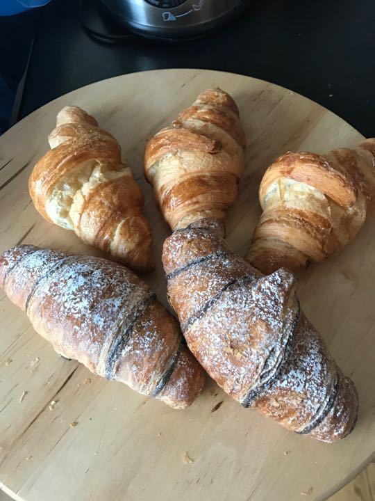 Croissants x 3