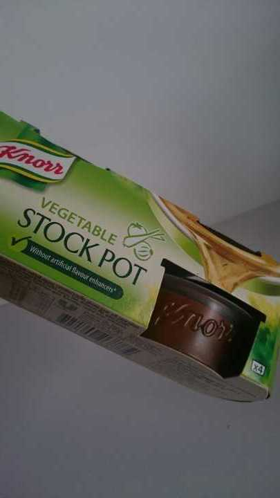 2 Knorr vegetable stock pots